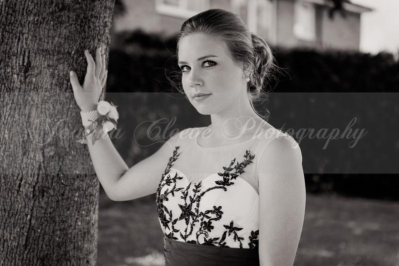 Louise Prom B&W-18